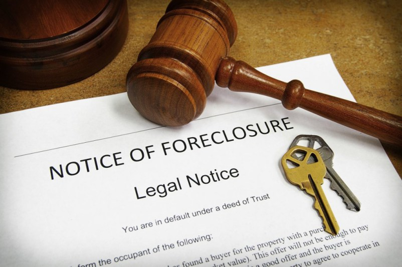 notice of foreclosure posted to house